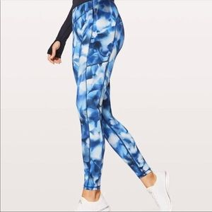 Lululemon Speed Up tight blue and white leggings